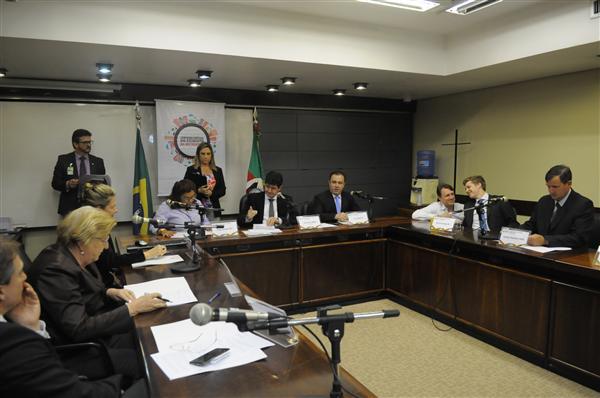 Comissão Especial para analisar a aplicação do Estatuto das Metrópoles