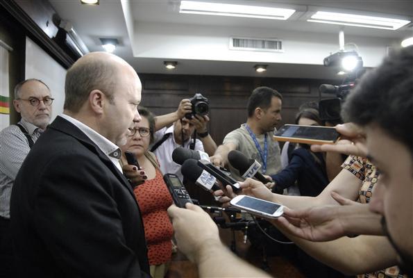 O corregedor da Comissão de Ética Parlamentar da Assembleia Legislativa, deputado Marlon Santos (PDT), ouve o deputado Mário Jardel (PSD) às 15h30, na sala José Lutzenberger do Palácio Farroupilha, no 4º andar. Jardel é acusado de fraude e desvio de dinheiro público