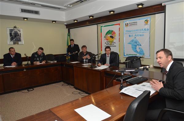 Promotor Daniel Martini defendeu zoneamento econômico-ecológico da água