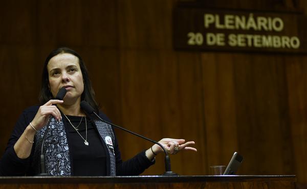 Dep.Juliana Brizola na Sessão Plenária