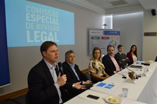 Deputado Lucas Redecker é vice-presidente da Comissão Especial de Revisão Legal