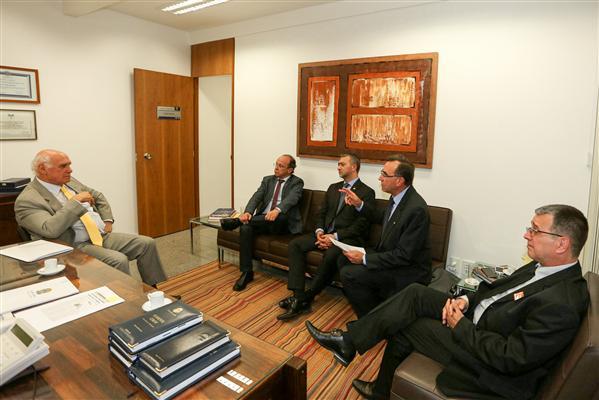 Presidente Edegar Pretto participa de audiência com senador Lasier Martins, sobre a Lei Kandir.