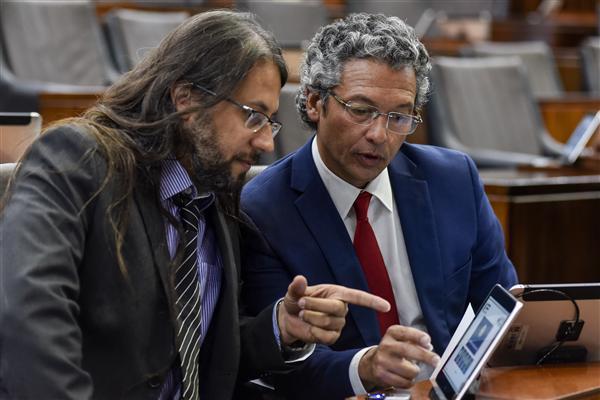Deputado eleito Eric Lins ao lado do deputado Frederico Antunes