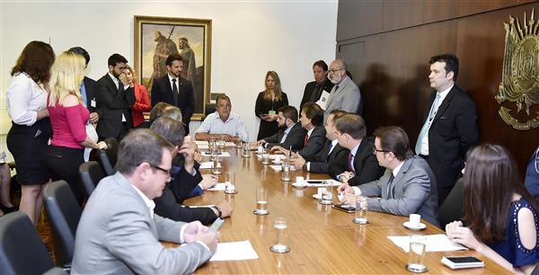 Reunião foi coordenada pelo deputado Nelsinho Metalúrgico
