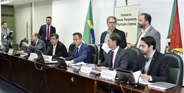 Orçamento para 2019 foi uma das matérias deliberadas pela comissão