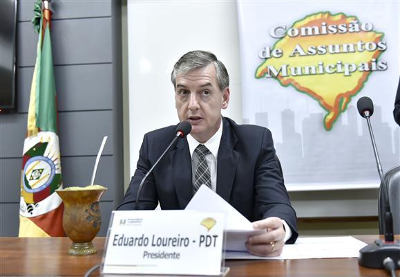 Deputado Eduardo Loureiro é o presidente da Comissão de Assuntos Municipais
