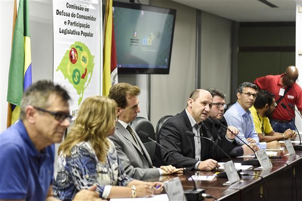 Audiência pública discutiu situação dos serviços e funcionários dos Correios