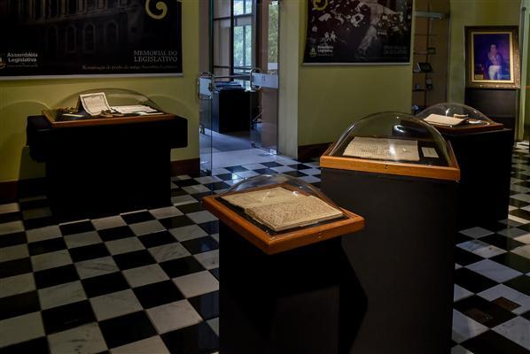Detalhe de parte do acervo pessoal do Visconde de São Leopoldo