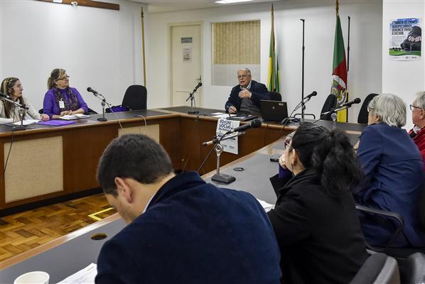 Grupo reuniu-se no Espaço da Convergência Deputado Adão Pretto