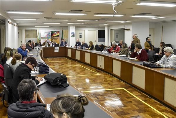 Reunião aconteceu no Espaço da Convergência, térreo do Palácio Farroupilha
