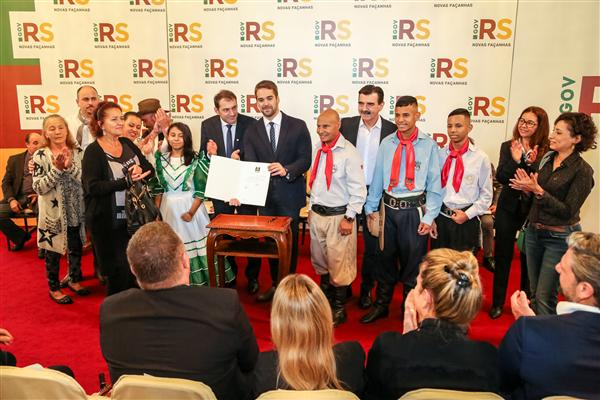Governador sancionou o projeto de lei do deputado Paparico Bacchi