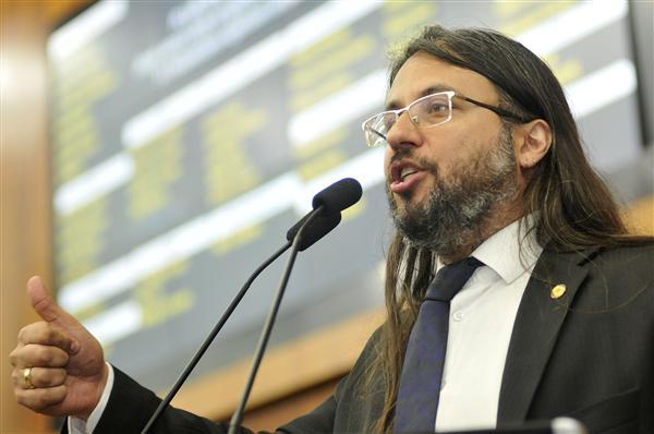O deputado Eric Lins será o presidente da Frente Parlamentar em Defesa da Família