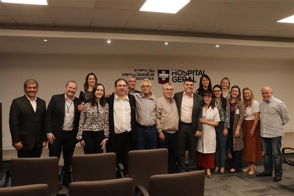Deputados visitam o maior centro de oncologia infantil da região da serra gaúcha