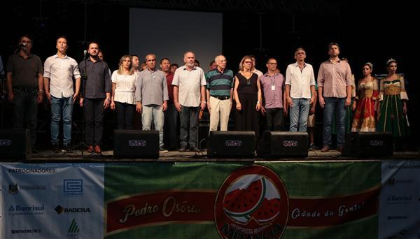 Presidente Lara fala na abertura da Festa da Melancia em Pedro Osório
