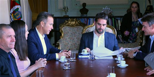 Presidente Lara liderou comitiva de deputados em audiência com governador