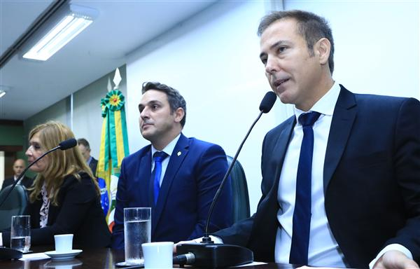 Presidente da ALRS Dep. Luis Augusto Lara participa da Instalação da Frente Parlamentar Escola Cívico Militar  dep Ten Coronel Zucco