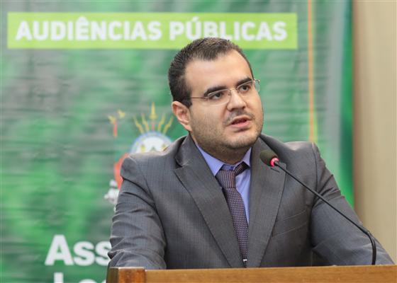 Professor da UFSM Daniel Arruda Coronel falou sobre o contexto das privatizações