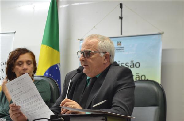 Deputado Vilmar Lourenço cobra agilidade nas obras em escolas