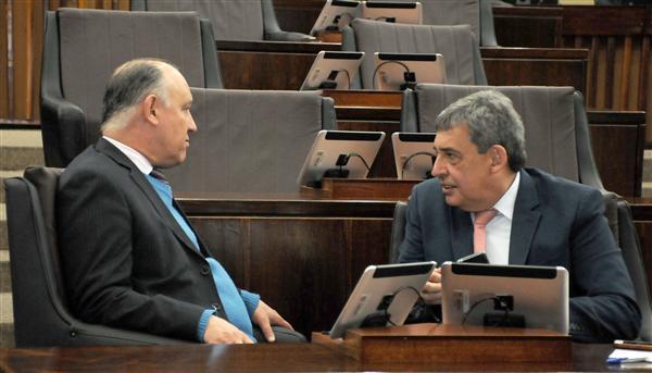 Sessão plenária desta quinta-feira, deputados Pepe Vargas e Sebastião Melo