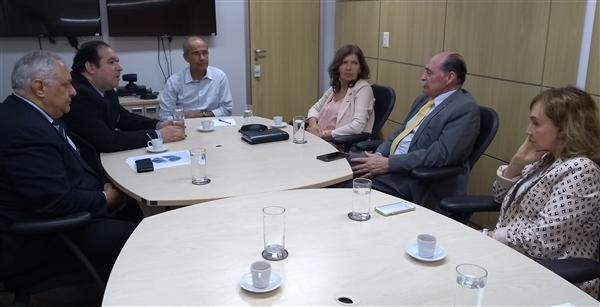 Deputado Dr. Thiago recebido pelo presidente do CFM e conselheiros.