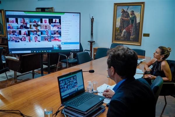 Reuniões estão sendo feitas virtualmente.