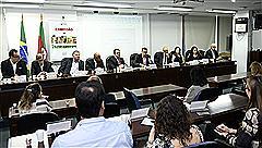 Reunião aconteceu no Plenarinho do Palácio Farroupilha, 3º andar