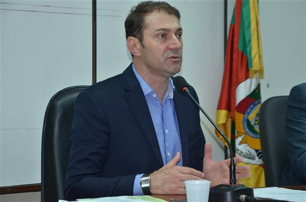 Deputado Paparico Bacchi defende a manutenção dos municípios